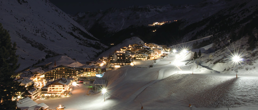 Austria_Obergurgl_view_night.jpg